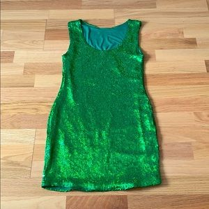 Green 💚 🍏 ☘️ Sequins dress mini